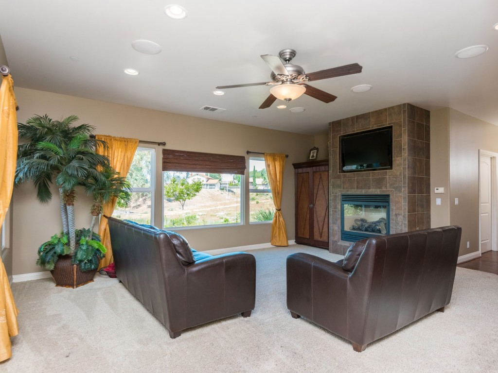 13536 Whitewater Dr Poway CA-MLS_Size-025-48-13536 Whitewater Dr Hi Res-1280x960-72dpi