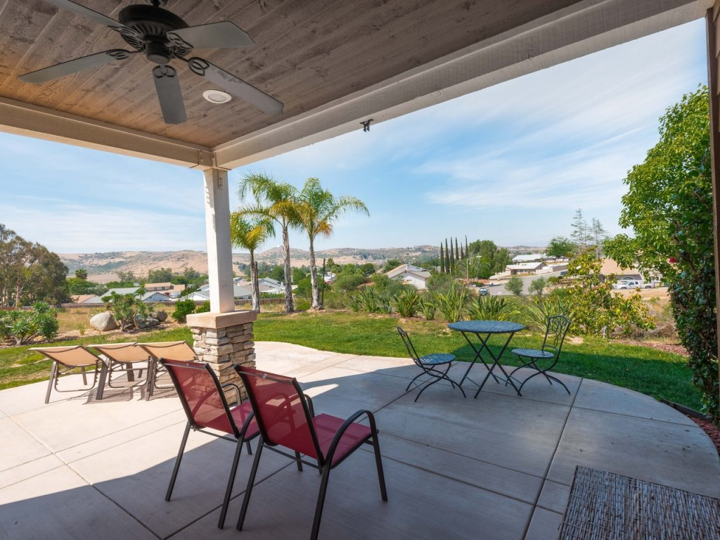 13536 Whitewater Dr Poway CA-MLS_Size-054-43-13536 Whitewater Dr Hi Res-1280x960-72dpi